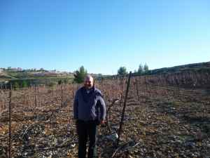 Hillel Manne by his Carignan vineyard of Beit El Winery-small