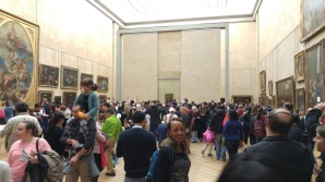 Mona Lisa line and packed room