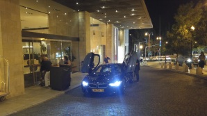 i3 With gull wings in front on Mamilla Hotel